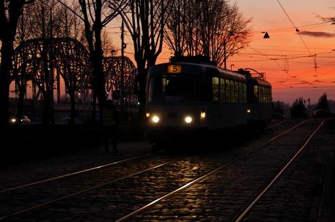 Bild: Fahrkartenkontrolle in der Straßenbahn von Riga.