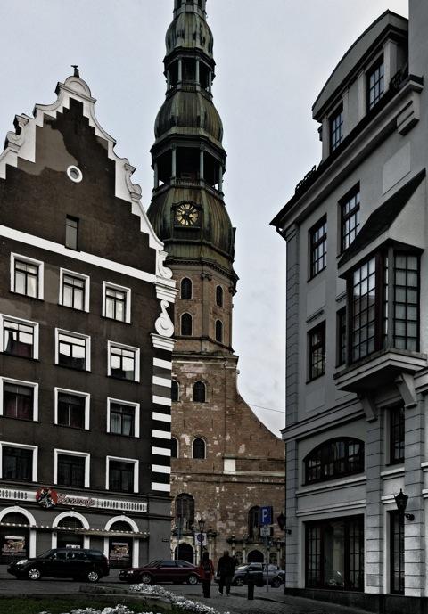 Bild: Unterwegs am Dom zu Riga.