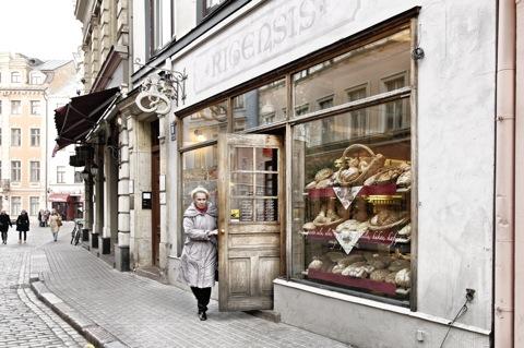 Bild: Bäckerladen in der Altstadt von Riga.