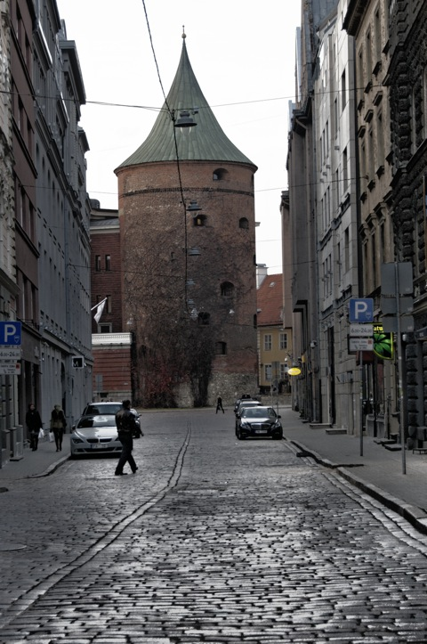 Bild: Der Pulverturm von Riga.