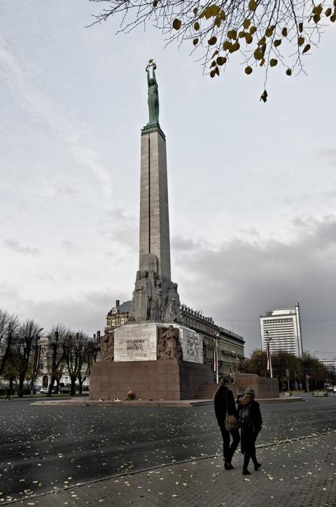 Bild: Das Freiheitsdenkmal in Riga.