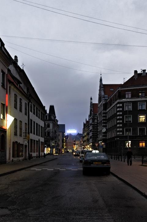 Bild: Die Altstadt von Riga an einem Novemberabend.