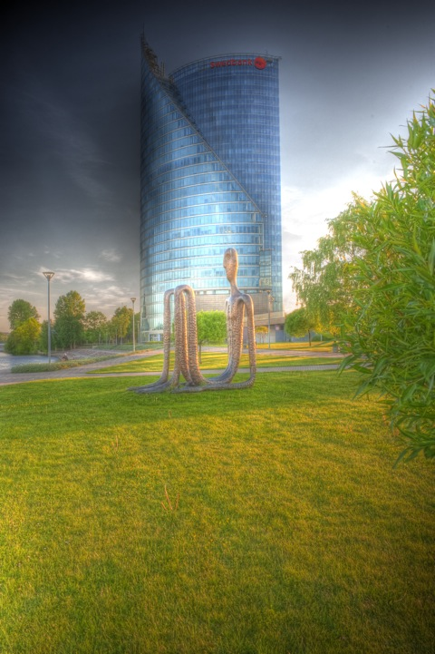 Bild: Der Swedbank Tower in Riga. HDR Render.