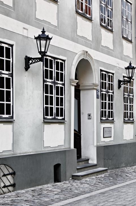 Bild: An der Jakobskaserne in der Torņa iela in Riga.