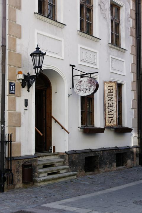 Bild: Souvenirgeschäft in der Torņa iela an den Jakobskasernen in Riga.