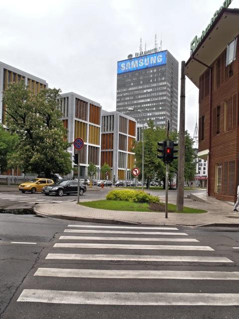 Bild: Bürobauten im Anschluss an die nördliche Altstadt von Riga. OLYMPUS µTough-6020.