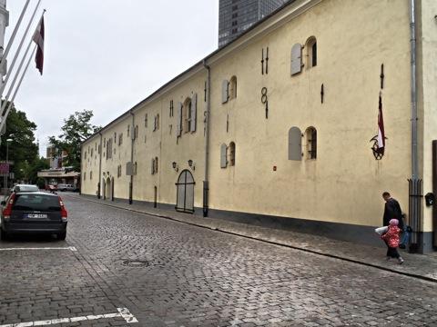 Bild: Historisches Gebäude in der nördlichen Altstadt von Riga. OLYMPUS µTough-6020.