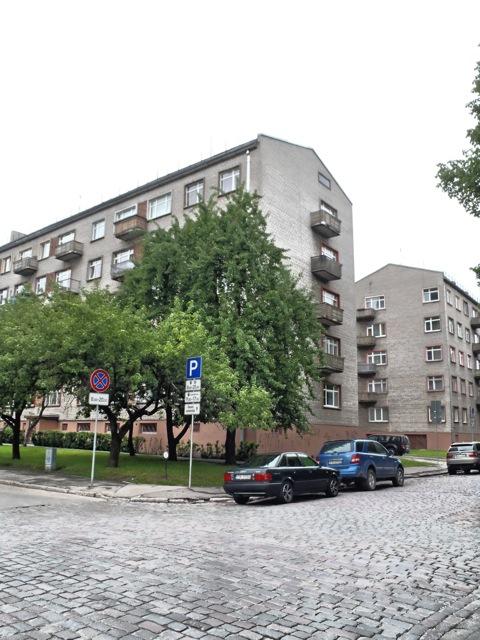 Bild: Wohnblock - mal nicht in Plattenbauweise - in der nördlichen Altstadt von Riga. OLYMPUS µTough-6020.