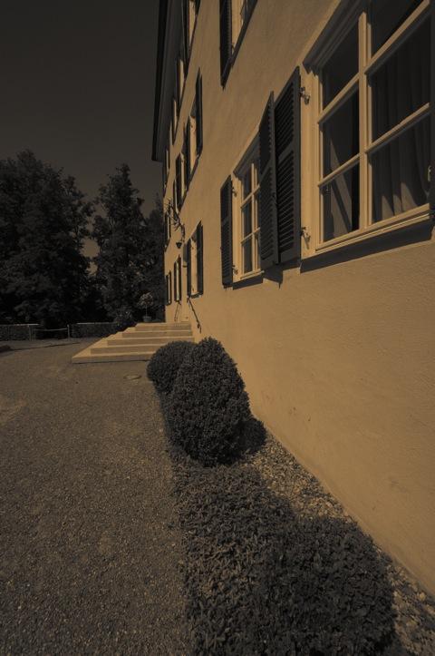 Bild: Am Sisi-Schloss in Unterwittelsbach bei Aichach.