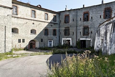 Bild: Unterwegs am ehemaligen Patarei-Gefängnis von Tallinn mit NIKON D700 und AF-S NIKKOR 28-300 mm 1:3,5-5,6G ED VR sowie CARL ZEISS Distagon T* 3,5/18 ZF.2.