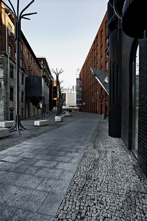 Bild: Unterwegs im Rotermanni Kvartal in Tallinn mit NIKON D700 und AF-S NIKKOR 28-300 mm 1:3,5-5,6G ED VR sowie CARL ZEISS Distagon T* 3,5/18 ZF.2.