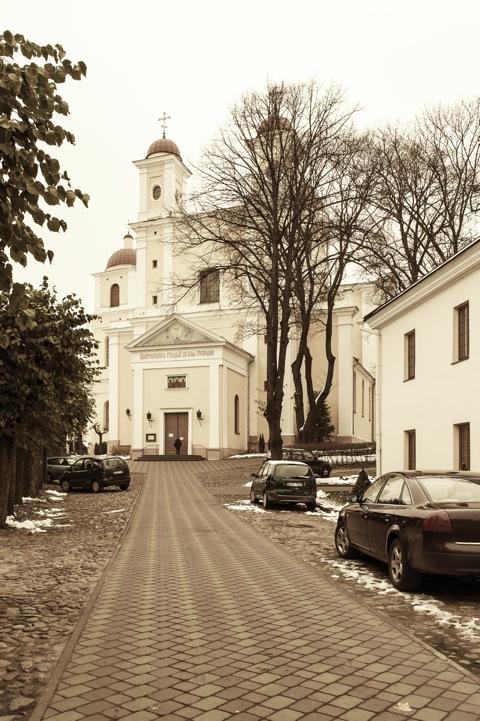 Bild: Die orthodoxe Kirche Zum Heiligen Geist - Šv. Dvasios cerkvė - am südlichen Rand der Altstadt von Vilnius in der Aušros Vartų gatvė. NIKON D700 mit CARL ZEISS Distagon T* 2.8/25 ZF.