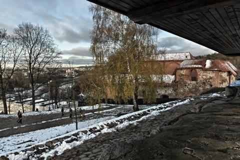 Bild: Die Reste der Burg des Großfürsten Gediminas in Vilnius. NIKON D700 mit CARL ZEISS Distagon T* 3.5/18 ZF.2.