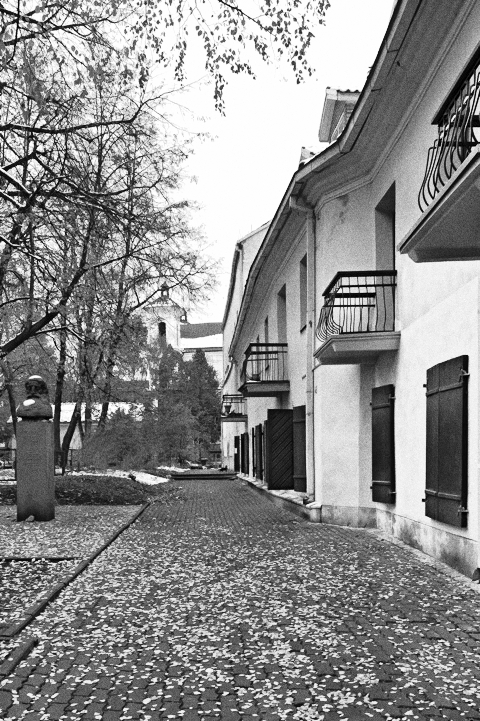 Bild: Von der Architektur des einstigen Jüdischen Viertels von Vilnius ist heute nur noch wenig zu finden. NIKON D700 mit CARL ZEISS Distagon T* 2.8/25 ZF.