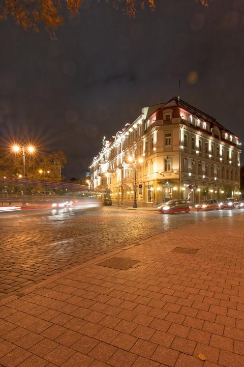 Bild: Das Kempinski Hotel Cathedral Square in der Altstadt von Vilnius. NIKON D700 mit CARL ZEISS Distagon T* 3.5/18 ZF.2.