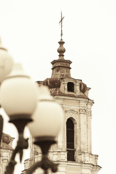 Bild: Auch die Kirche St. Jakob an der Neris ist vom Verfall bedroht. NIKON D700 mit AF-S NIKKOR 28-300 mm 1:3.5-5.6G ED VR.