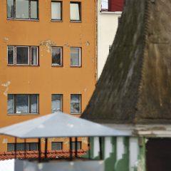 Bild: Gelegentlich bröckelt auch in Tallinn die Fassade. Man muss nur genau hinschauen ...