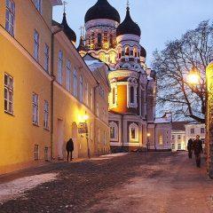 Bild: Die Alexander-Newski-Kathedrale vom Pikk jalg aus fotografiert.