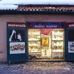 Bild: Und noch ein Bernsteinladen in der Kohtu auf dem Domberg von Tallinn.