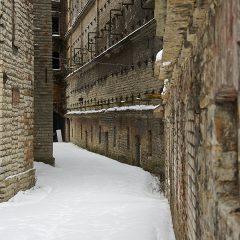 Zum Teil ist im Rotermanni Kvartal in Tallinn noch etwas von der Düsternis vergangener Zeiten zu spüren.