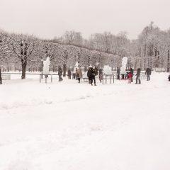Bild: Die Eisfiguren im Park von Kadriorg sind ein Magnet für Groß und Klein. Hier im Hohen Norden halten die Eisfiguren den ganzen Winter.