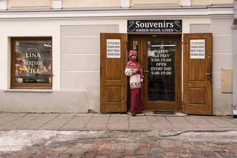 Bild: Leinen und Strick in einem Geschäft am Rande der Altstadt von Tallinn.