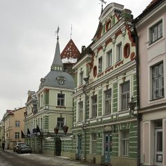 Bild: Gepflegtes Haus in der Uus östlich jenseits der Stadmauer.