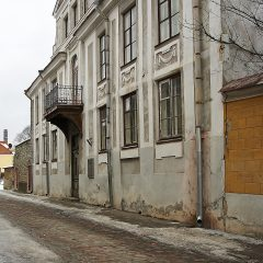 Bild: In diesem Haus in der Uus in Tallinn hat zeitweise der russische Dichter Dostojewski gewohnt.