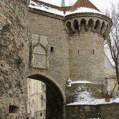 """Bild: Stadttor an der """"Dicken Margarethe"""" in Tallinn."""