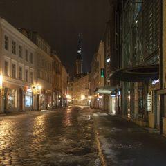 Bild: Die Vana Viru um 05:30 Uhr. Noch sind hier keine Menschen unterwegs - das wird sich gegen 10:00 Uhr schlagartig ändern.