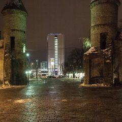 Bild: Das Viru Tor ist die Eintrittspforte von der historischen Altststadt in die geschäftige Neustadt von Tallinn.