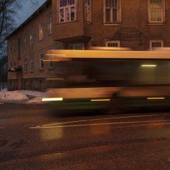 Bild: Busse sind das Nahverkehrsmittel der Wahl in Tallinn. Es gibt keine U- oder S-Bahnen.