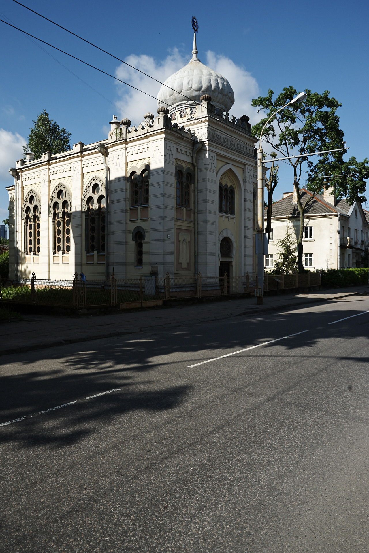 Bild: Die Kenesa der Karäer von Vilnius im Stadteil Žvėrynas. NIKON D700 mit AF-S NIKKOR 24-120 mm 1:4G ED VR.