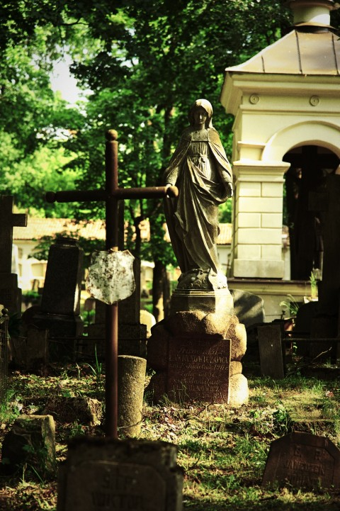 Bild: Unterwegs auf dem Bernhardiner Friedhof (Bernardinų kapinės) in Vilnius - Stadtteil Užupis. NIKON D700 mit AF-S NIKKOR 24-120 mm 1:4G ED VR.
