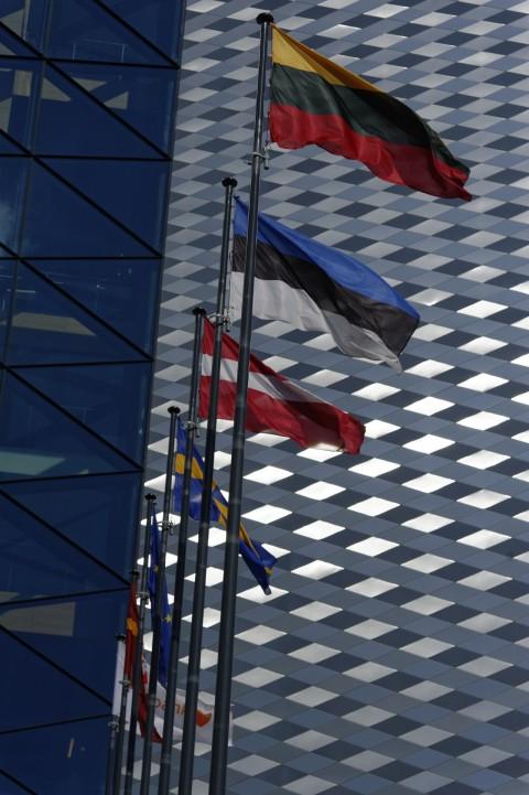Bild: Am SWEDBANK Hochhaus in Vilnius im Stadtteil Šnipiškės. NIKON D700 und AF-S NIKKOR 24-120 mm 1:4G ED VR.