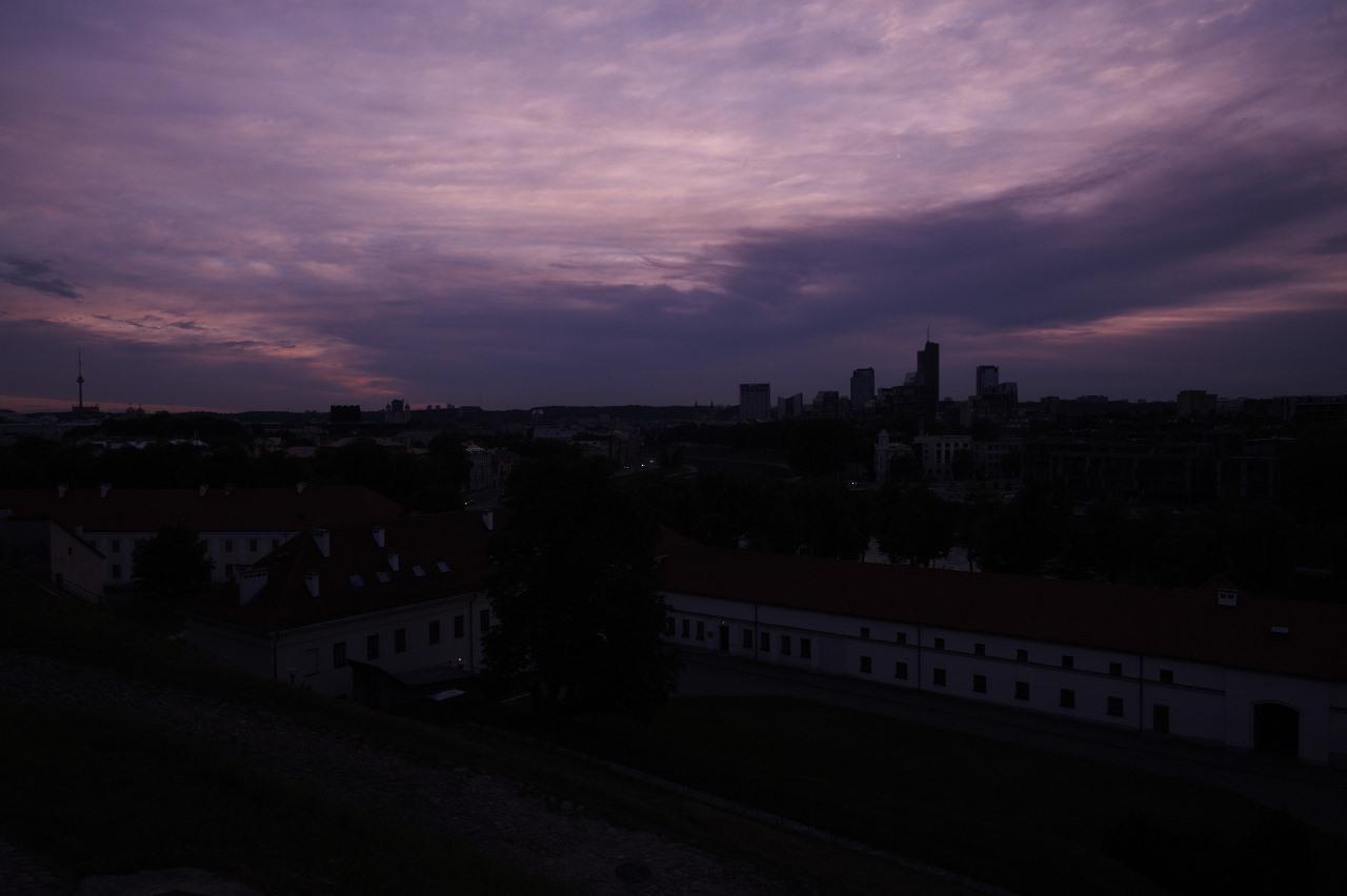 Bild: Sonnenuntergang über dem Stadteil Šnipiškės in Vilnius. NIKON D700 mit AF-S NIKKOR 24-120 mm 1:4G ED VR.