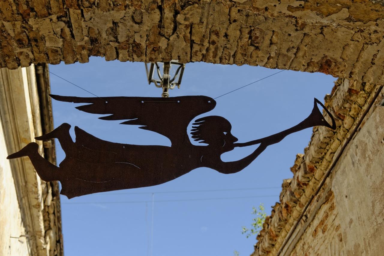 Bild: Noch ein Engel von Užupis - In der Užupio gatvė. NIKON D700 und AF-S NIKKOR 24-120 mm 1:4G ED VR.