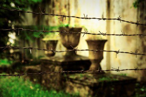 Bild: Friedhof im ehemaligen Patarei Gefängnis in Tallinn. NIKON D700 mit AF-S NIKKOR 24-120 mm 1:4G ED VR.