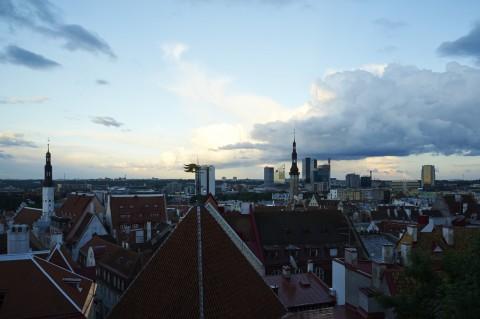 Bild: Tallinn - Unterwegs zur Blauen Stunde auf dem Toompea, dem Domberg. Auf der Aussichtsplattform an der Kohtu. NIKON D700 und AF-S NIKKOR 24-120 mm 1:4G ED VR.