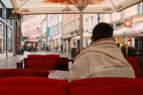 Fototour: Unterwegs an einem regnerischen Sommerabend in der Altstadt von Tallinn. Restaurant in der Vana Viru. NIKON D700 und AF-S NIKKOR 24-120 mm 1:4G ED VR.