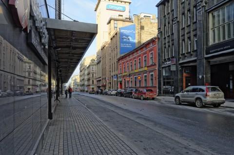 Bild: Auch in der Neustadt von Riga finden sich zahlreiche Restaurants und Bars. Das Angebot ist international. NIKON D700 mit AF-S NIKKOR 24-120 mm 1:4G ED VR. ISO 200 ¦ f/7,1 ¦ 24 mm ¦ 1/200 s ¦ kein Blitz. Klicken Sie auf das Bild um es zu vergrößern.
