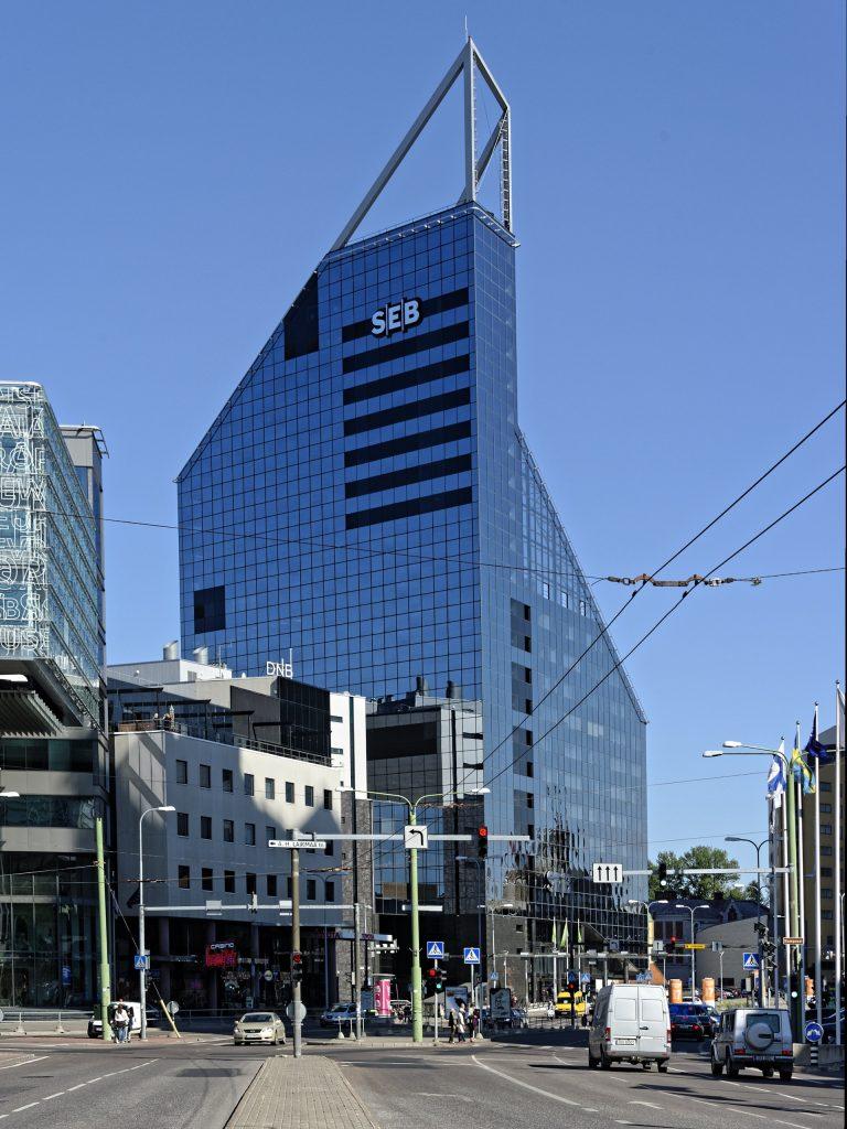 Bild: Der Talliner Stadtteil Maakri mit seinen Bürohochhäusern steht für das moderne Estland. NIKON D700 mit AF-S NIKKOR 28-300 mm 1:3.5-5.6G ED. ISO 200 ¦ f/9 ¦ 60 mm ¦ 1/400 s ¦ kein Blitz. Klicken Sie auf das Bild um es zu vergrößern.