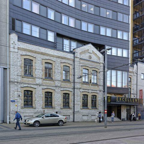 Bild: Maakri - The Heartbeat of Tallinn. NIKON D700 mit AF-S NIKKOR 28-300 mm 1:3.5-5.6G ED. ISO 640 ¦ f/9 ¦ 28 mm ¦ 1/125 s ¦ kein Blitz. Klicken Sie auf das Bild um es zu vergrößern.