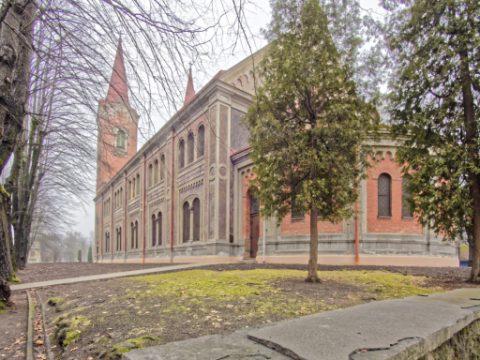 Die Kirche St. Martin (lett.: M ̄artin, a ev. lut. bazn ̄ıca) im Stadtteil A ̄genskalns am linken Ufer der Daugava wurde von Johann Daniel Felsko im Jahre 1887 errichtet.