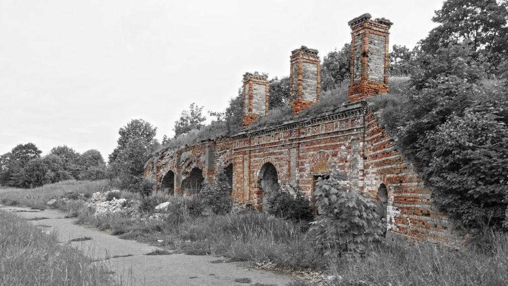 Bild: Die Kasematten in der Festung Daugavgrīva oder Dünamünder Schanze in Rīga sind aus Ziegelstein gemauert, was für die Beschussfestigkeit gegenüber Artilleriemunition nicht gerade günstig ist.