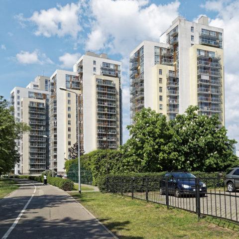 """Bild: Der Wohnpark """"METROPOLIA"""" im Stadtteil Imanta von Rīga aus einer anderen Richtung."""