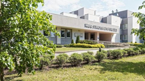 Bild: Filiale der Rīgas Stradiņa universitāte - der Medizinischen Universität in Rīga im Stadtteil Imanta.