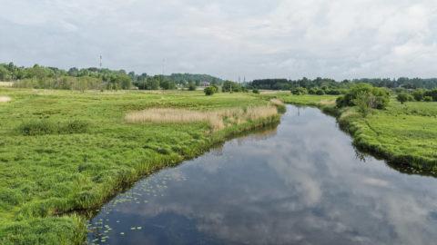 Bild: Der Fluss Abava in Kandava in Lettland.