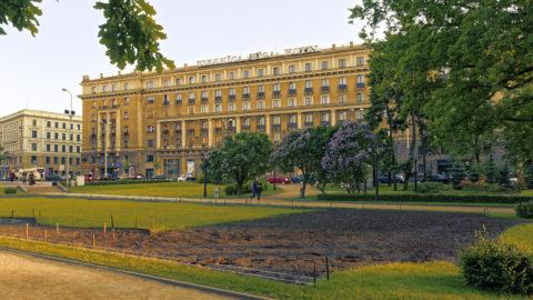 Bild: Fassade des geschlossenen Hotel Rīga in der Altstadt der lettischen Hauptstadt.