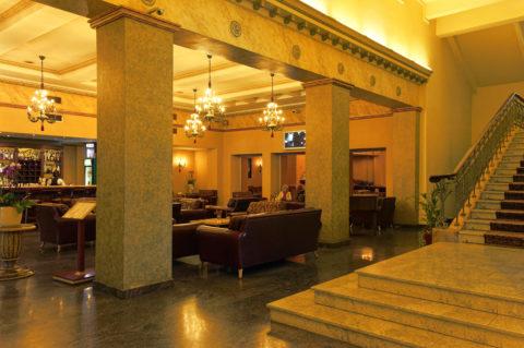 Bild: Lobby Bar des geschlossenen Hotel Rīga in der Altstadt der lettischen Hauptstadt.
